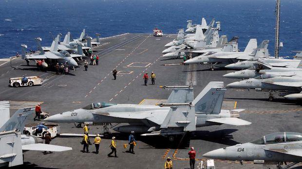 Kedatangan Carl Vinson menandai keberadaan militer terbesar Amerika di Vietnam sejak 1975